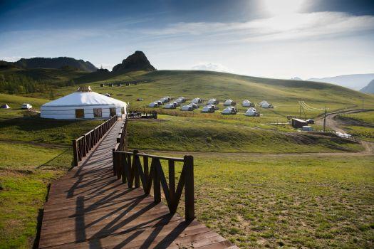 夏のモンゴル・大草原乗馬トレッキング